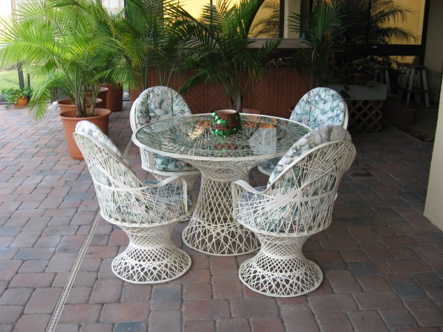 basketweave patio set