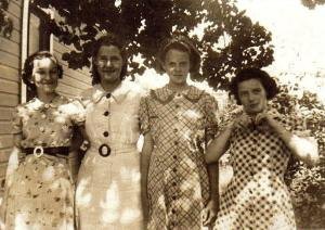 Gail with her sisters and cousins in their feed sack dresses